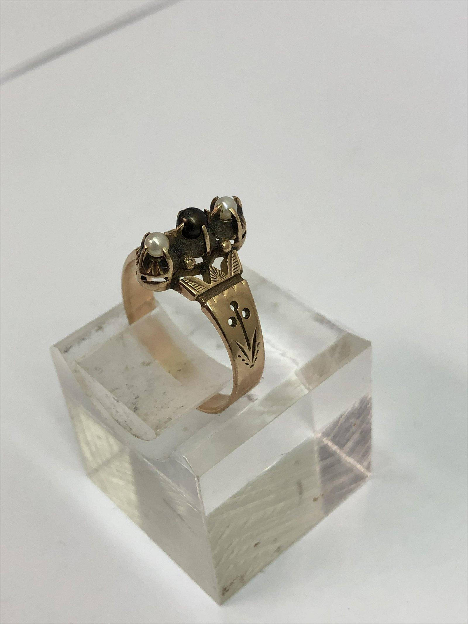 Victorian 14K Gold Eastlake Garnet Ring