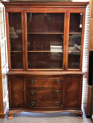 Morganton Furn Co. Mahogany Hutch Cabinet - 2 Shelf, 3