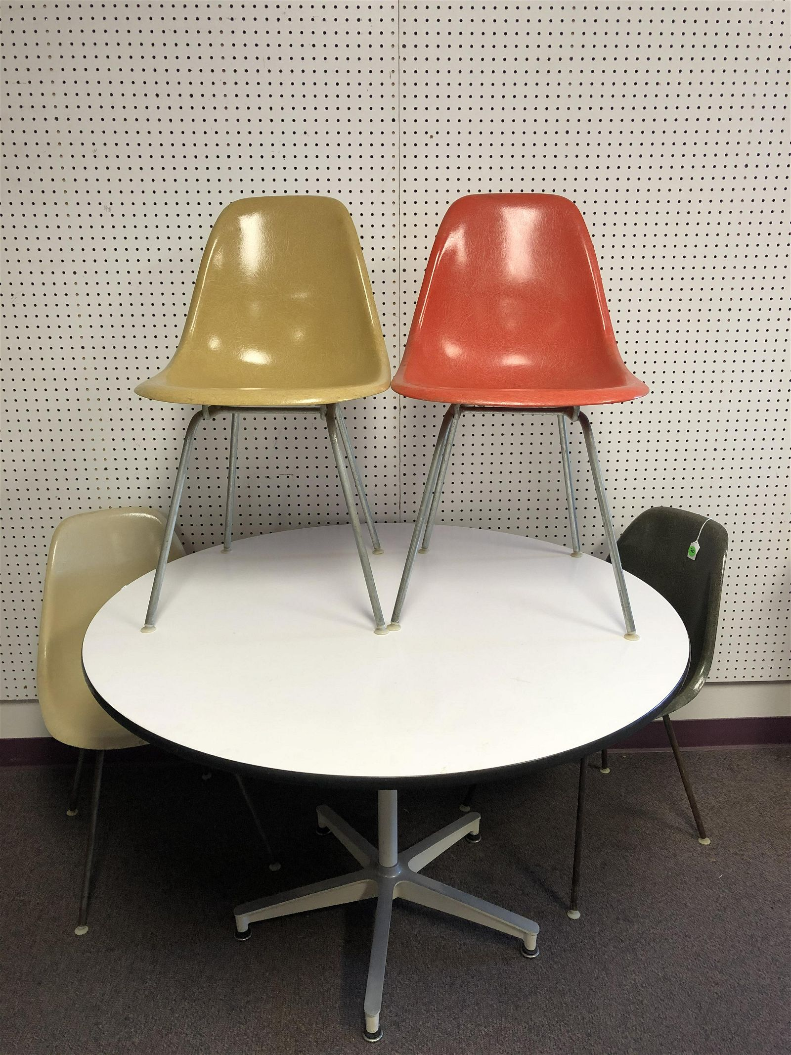 MCM Eames Herman Miller Table, Fiberglass Chairs -