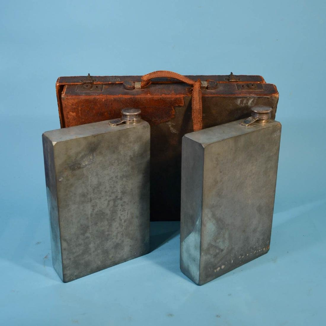 Meriden Abercrombie Prohibition Flasks in Briefcase