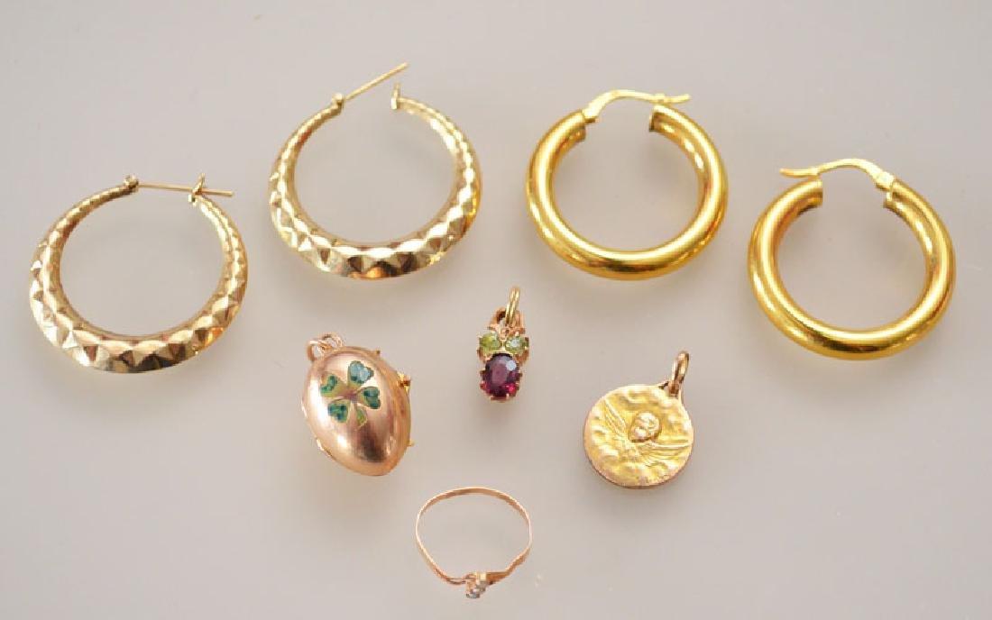 Lot of Gold Jewelry (Pendants, Earrings)