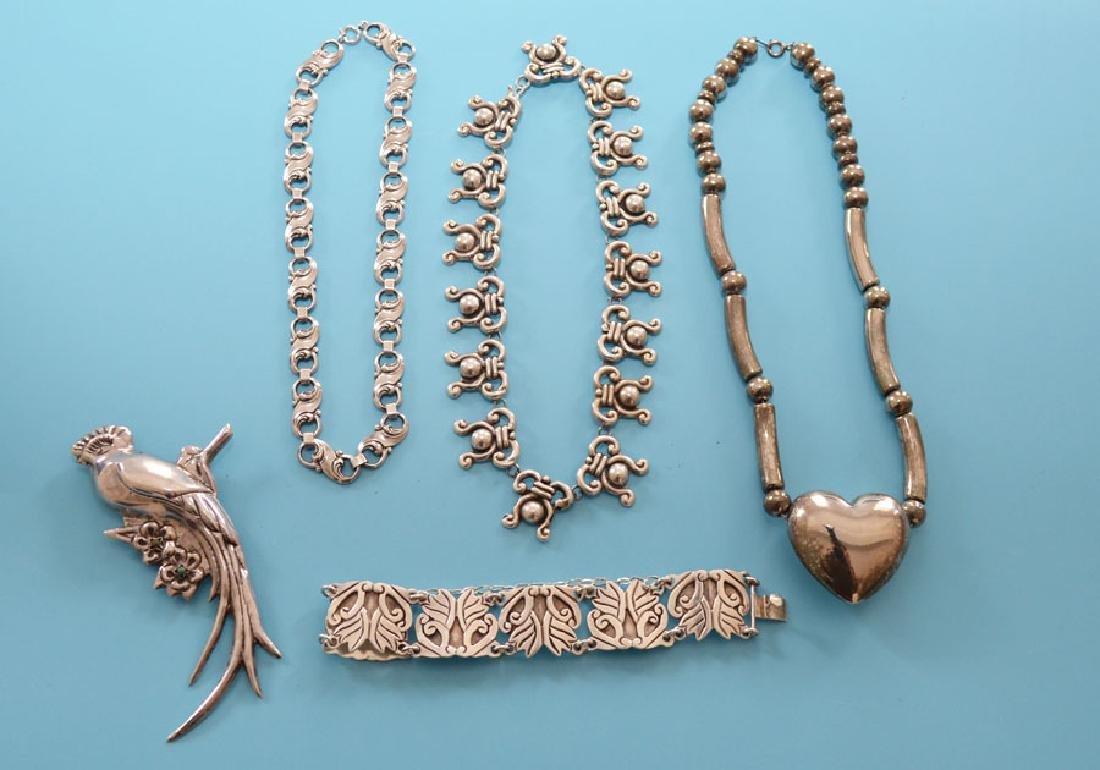 Tasteful Lot Of Vintage Sterling Silver Jewelry - 5