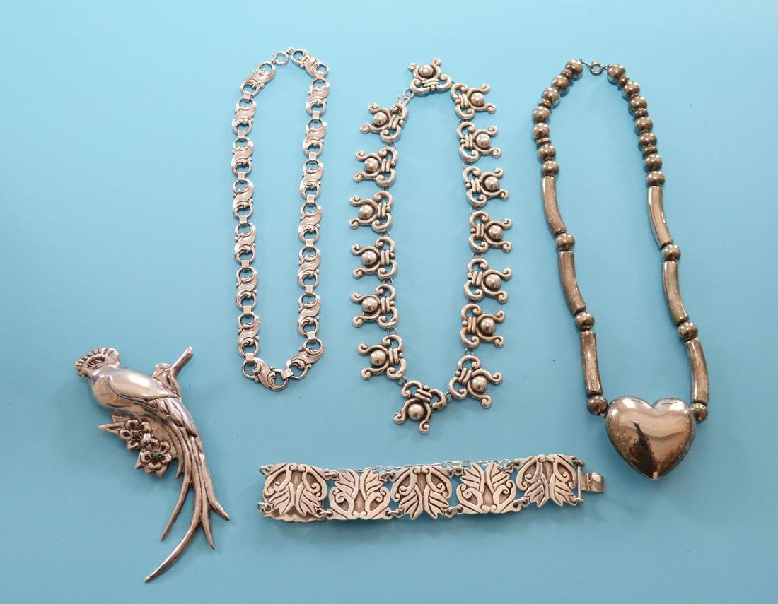 Tasteful Lot Of Vintage Sterling Silver Jewelry - 6