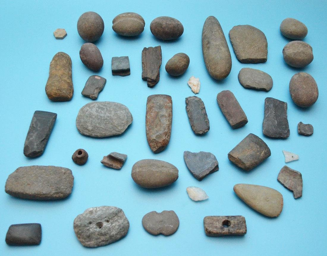 Lot Of Ancient Native American Tools And Artifacts