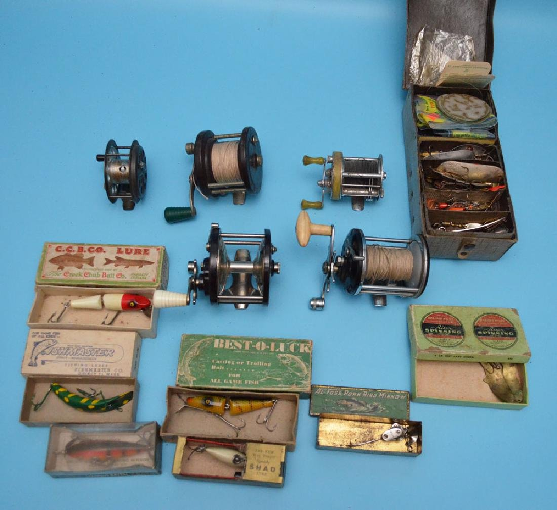 Estate Found Vintage Fishing Lot Of Lures & Reels