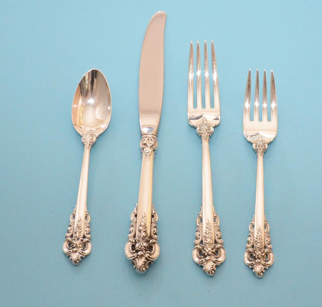48 pc Wallace Grande Baroque Flatware Set