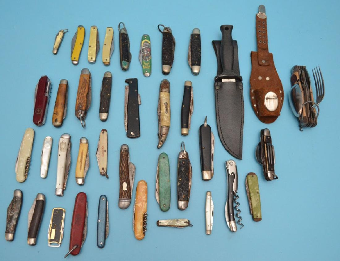 Box Lot of Vintage Pocketknives