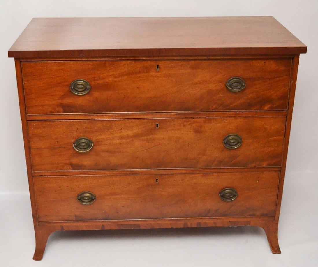 Hepplewhite Mahogany Chest Of Dressers