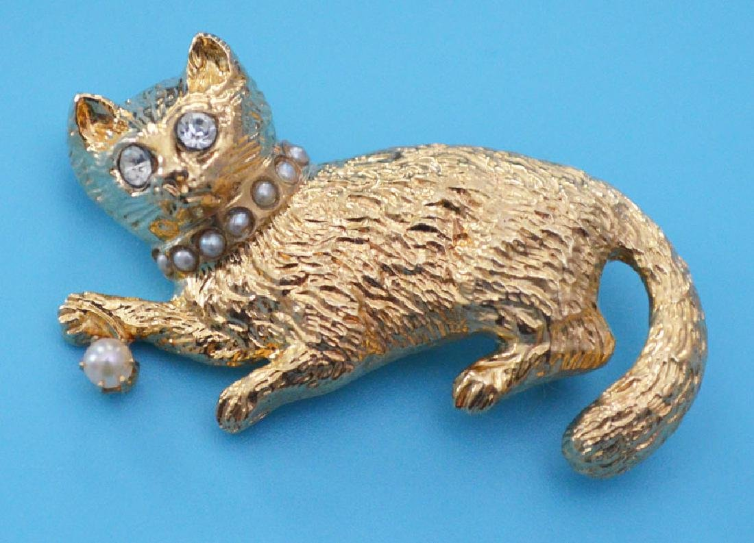 Adorable 14k Gold Cat Pin