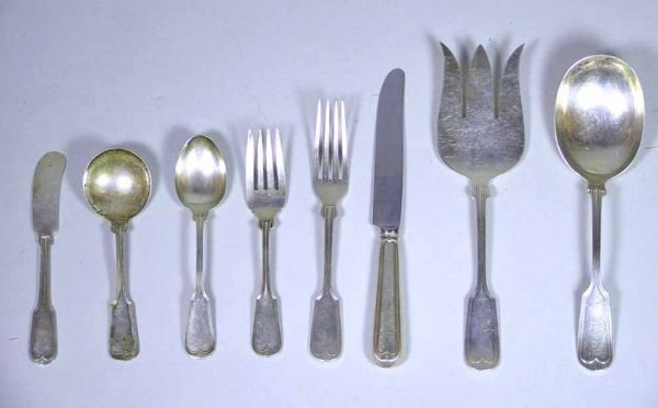 112: 42 Pieces Of Towle Sterling Fiddle Thread Flatware