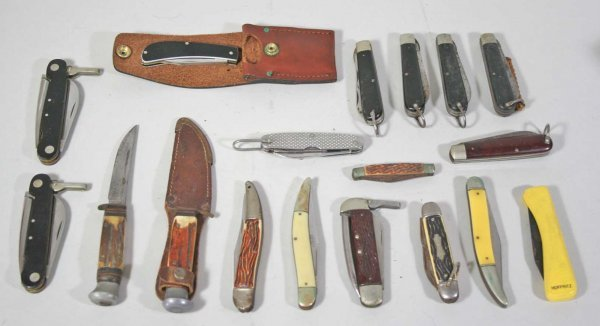 254: Large Lot of  18 Vintage Pocket Knives