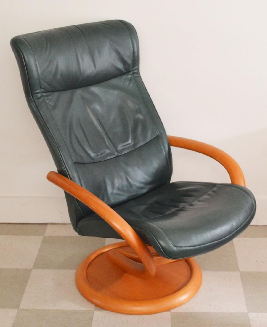 Pedro Stress Less Leather Chair & Ottoman - 2