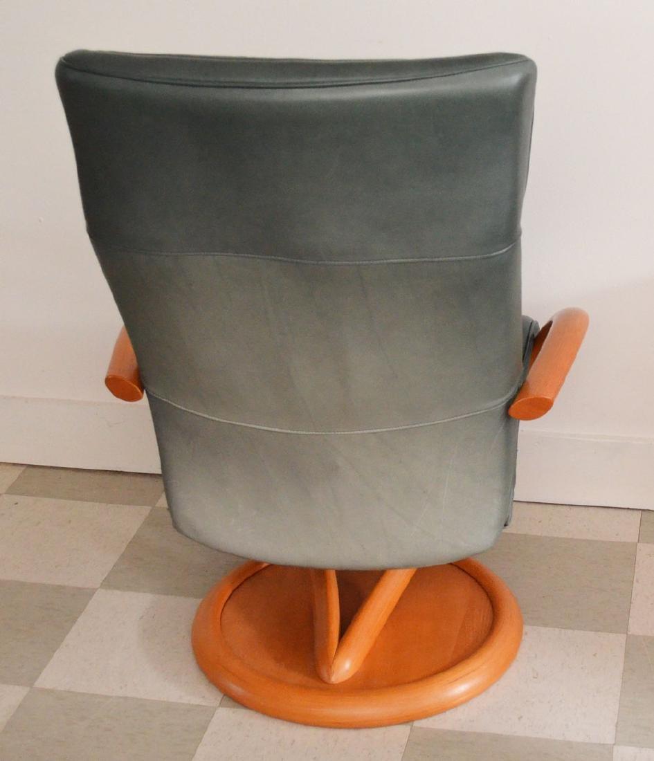 Pedro Stress Less Leather Chair & Ottoman - 3