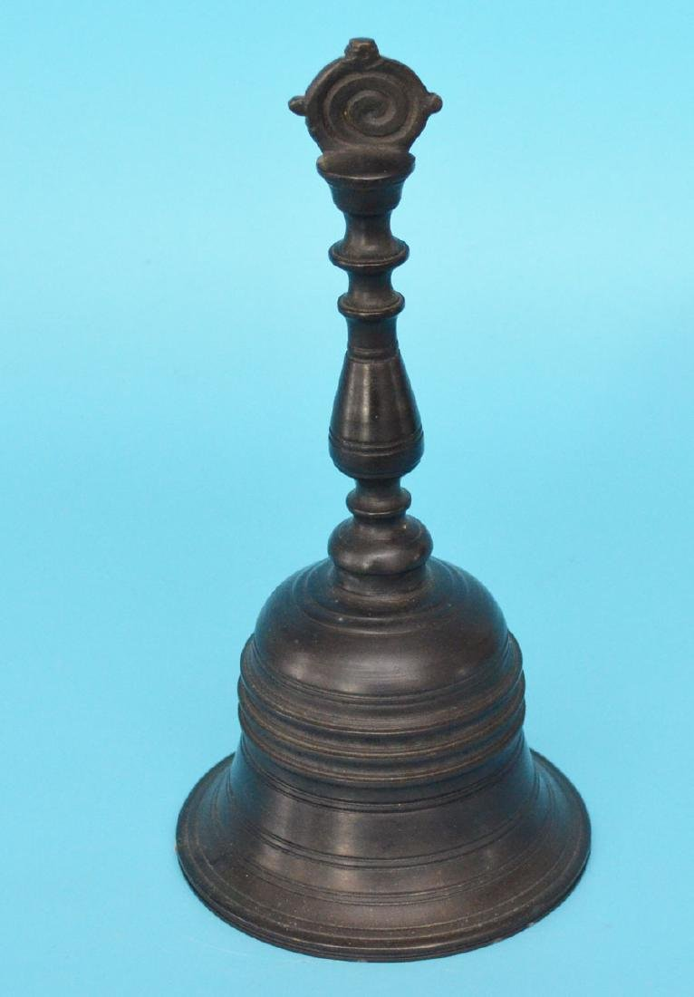 Great Aesthetics Antique Bronze Bell