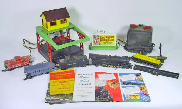 11: Vinatge American Flyer Trains And Accessories ( 312