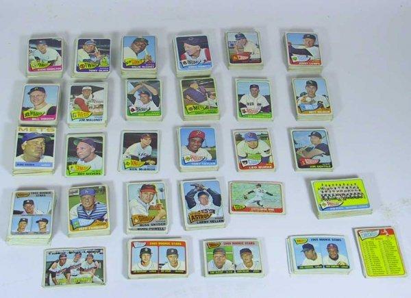 15: Impressive Lot of 1960's Topps Baseball Cards