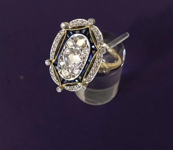 Dazzling & Elegant 18K gold  Diamond,  Sapphire  Ring
