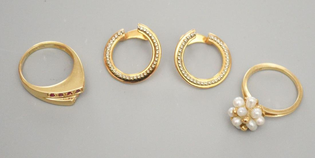 Lot 14k Gold Jewelry (2 Rings and Earrings)