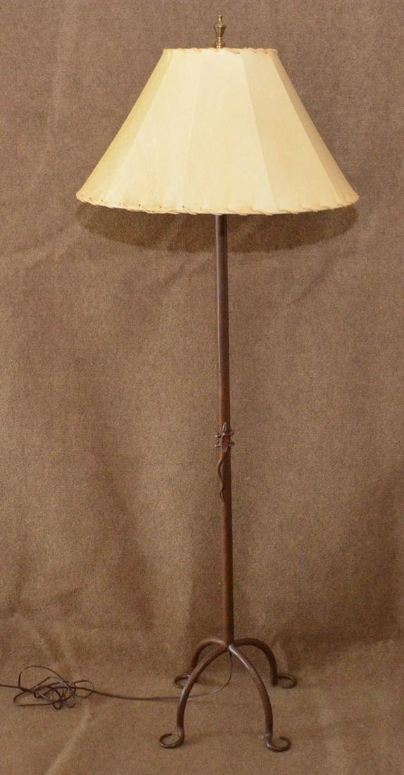 Cast Iron Vintage Lamp  With Figural Lizard
