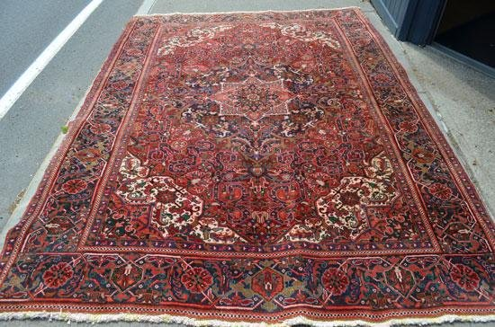 Great Room Size Oriental Carpet / Rug