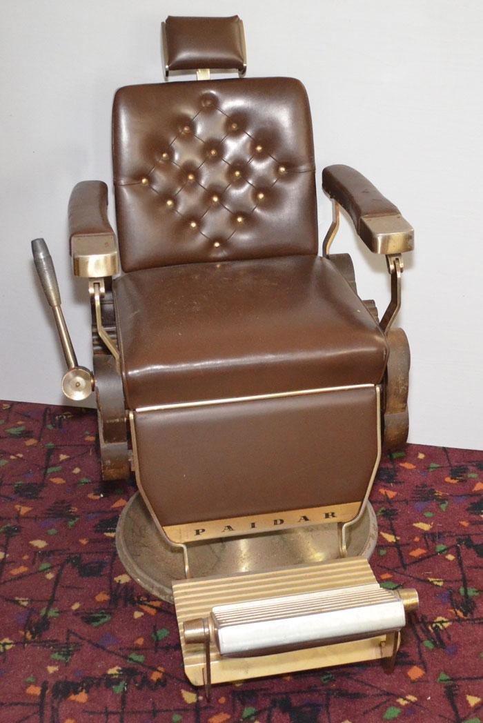 Phaidar Barber Shop Chair with Oak Sides
