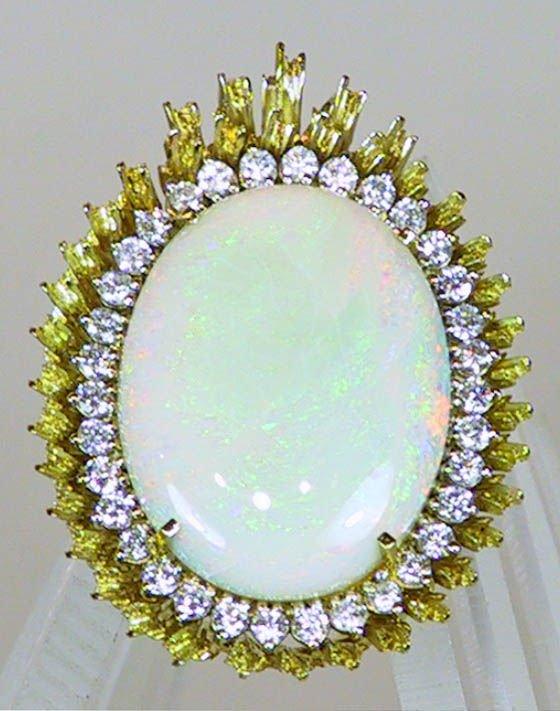 8: 14k Gold and Diamond Cabachon Pin / Brooch