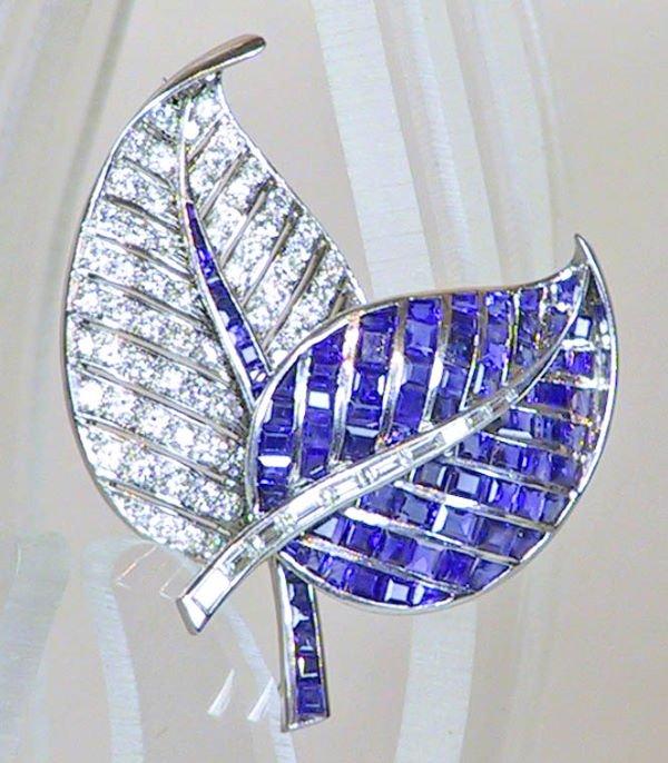 23: Platinum  Sapphire and  Diamond Leaf Double Pin