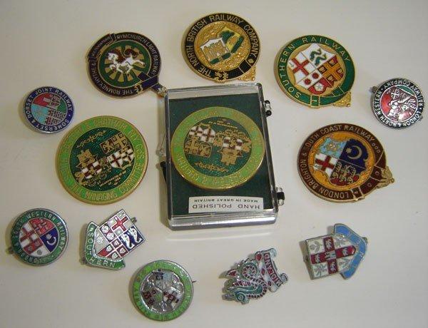 78: 13 Vintage British Pins