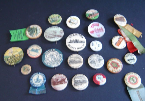 82: Lot Of Vintage Railroad Buttons