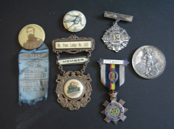 89: Antinque Medals, Pins And Medallions
