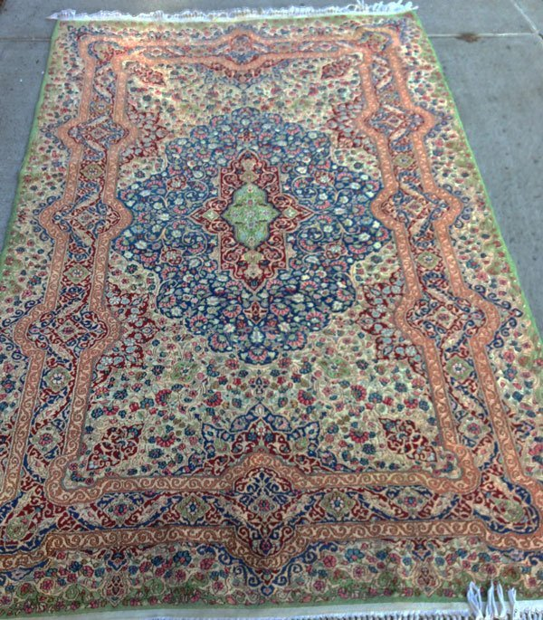 9B: Wonderful Vintage Oriental Handmade Rug
