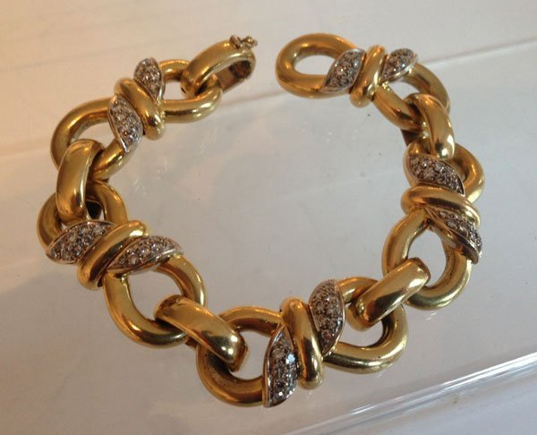 Classic 18k Gold And Multi Diamond Puffed Link Bracelet