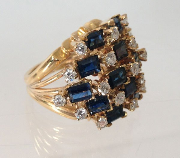Spectacular 18k Gold ,Diamond And Sapphire Ring