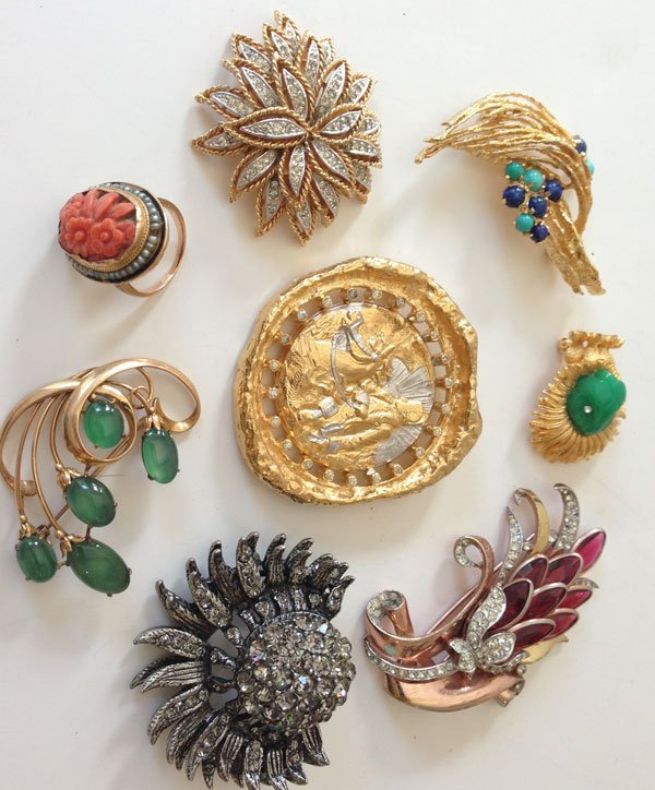 Lot Of 14k and Costume Jewelry Retro Pins