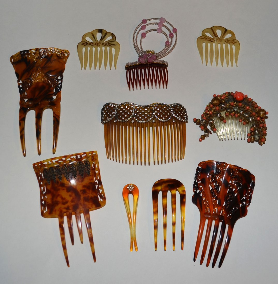 Lot of combs