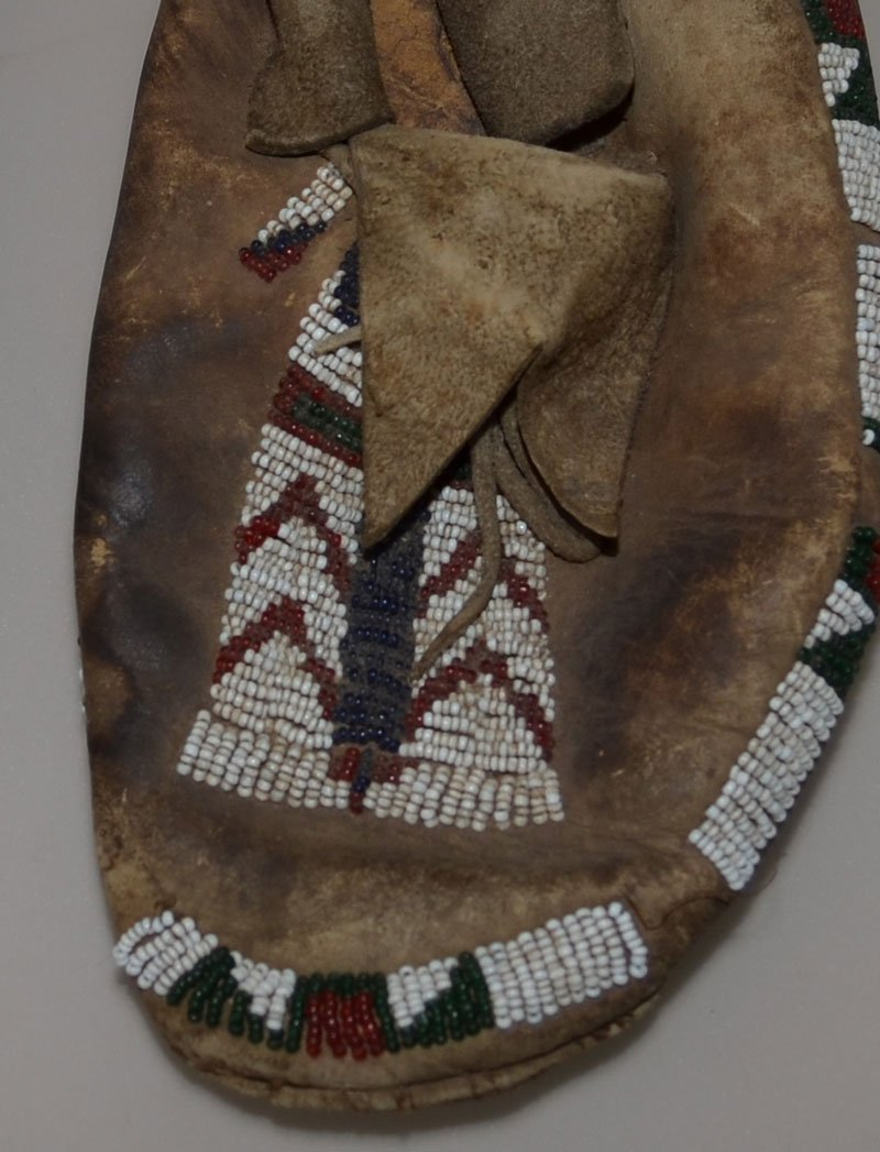 Antique Native American Beaded Leather Moccasins - 3