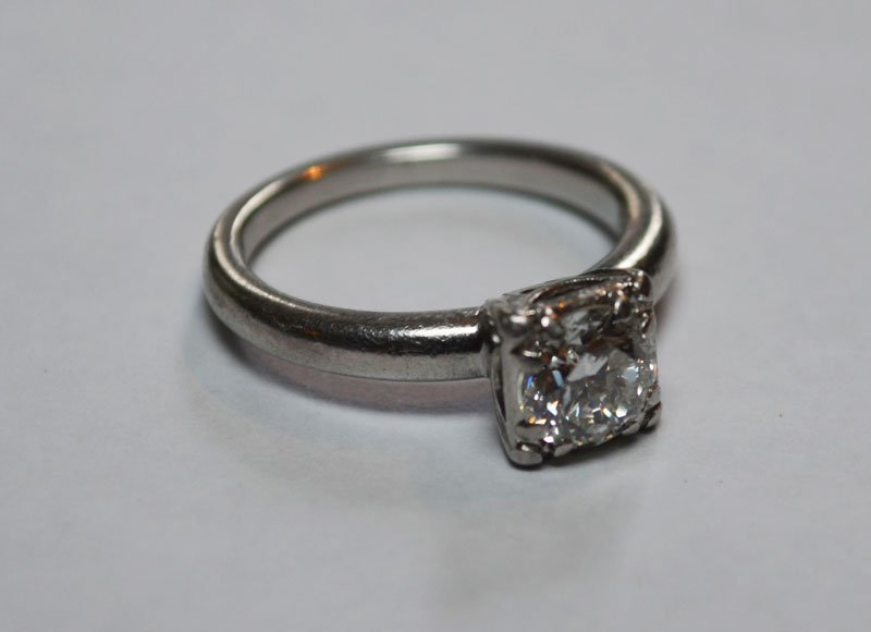 Platinum & 3/4 C Diamond Solitaire