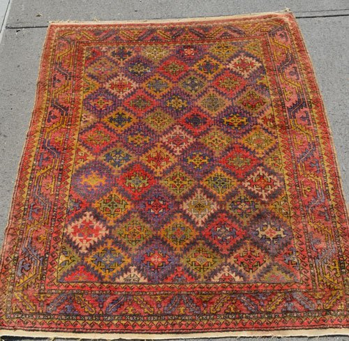 Great Geometric Oriental Carpet / Rug
