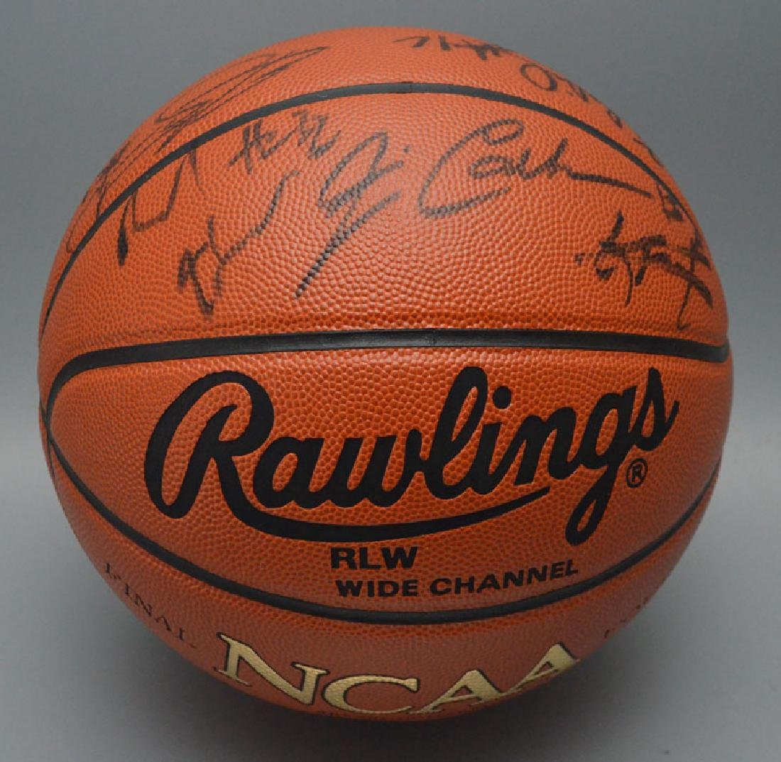 Team Signed 1998 /1999  Uconn Huskys Basketball