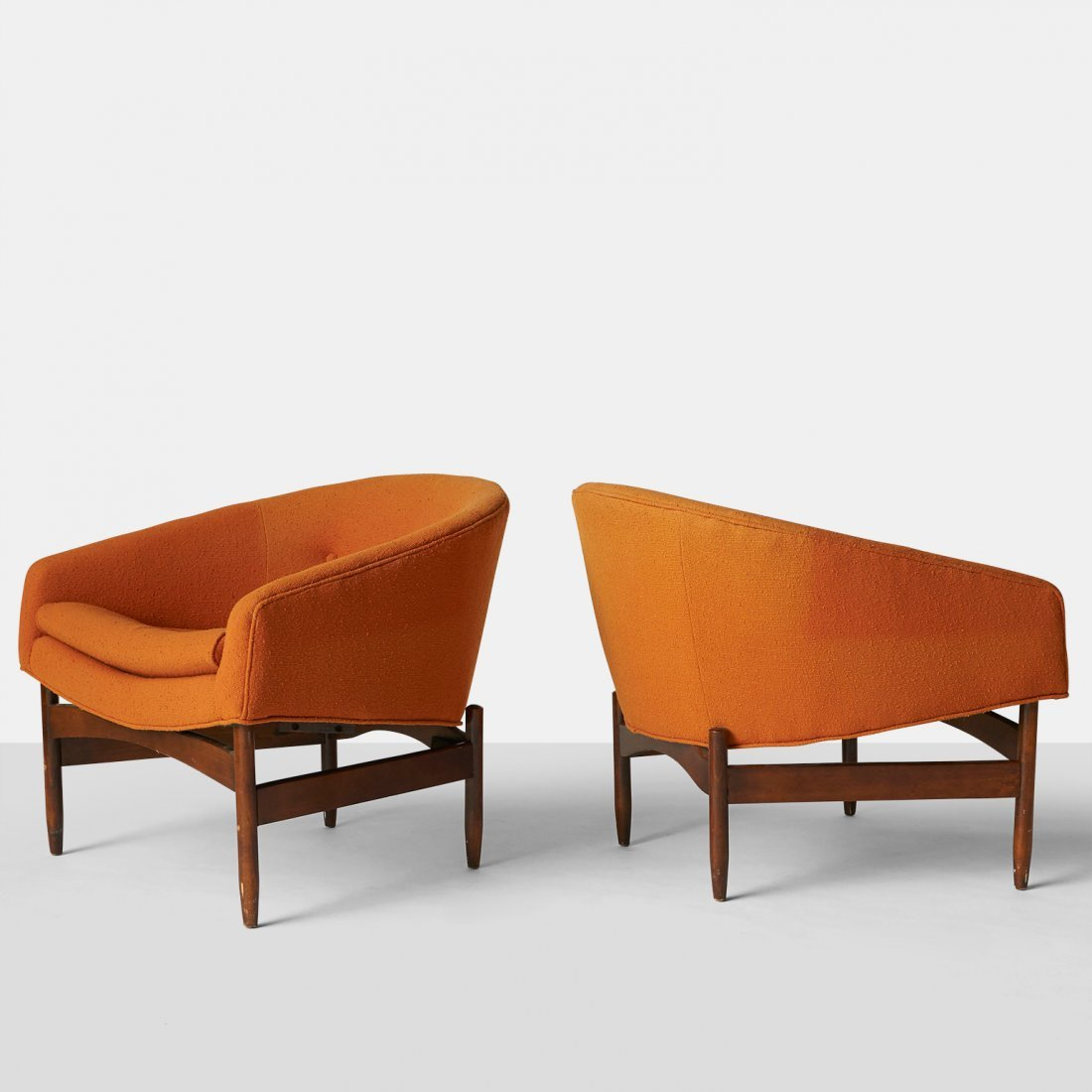 Lawrence Peabody, Pair of Lounge Chairs for Selig