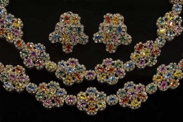606: Yellow Gold and Sapphire Parure