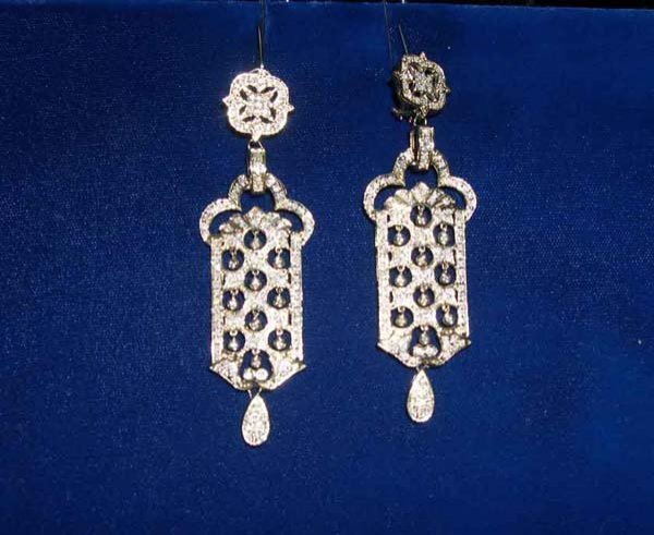 615: Yellow Gold and Diamond Pendant Earrings