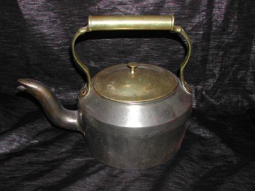 282: J. and J. Siddons Cast-Iron Four-Pint Tea Kettle