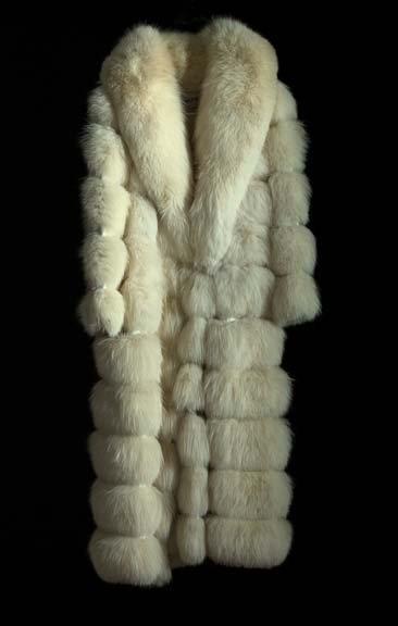 798: Lady's White Fox Stroller-Length Fur Coat,
