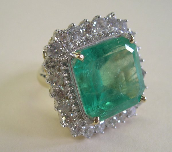 858: Yellow Gold, Emerald and Diamond Lady's Ring