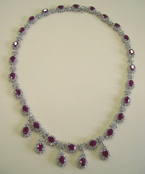 871: White Gold, Ruby and Diamond Necklace