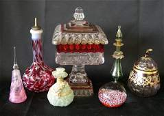 642 SixPiece Group of Miscellaneous Glass Items