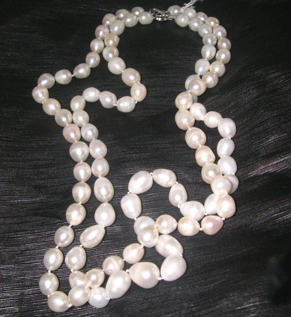 772: Graduated Drop Pearl Necklace