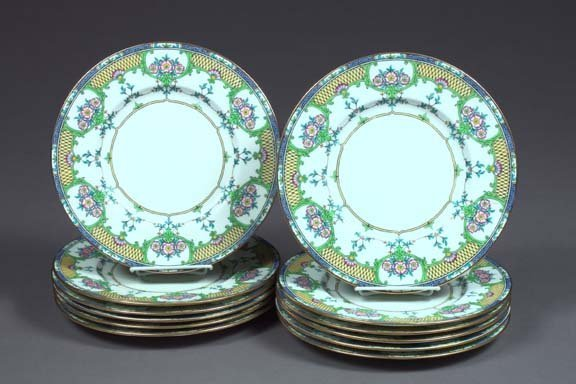 5: Good Set of Twelve Minton Porcelain Dinner Plates