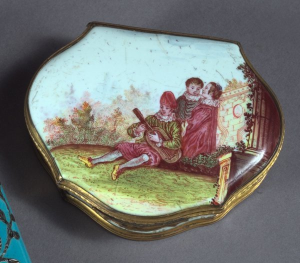 15: South Staffordshire Enamel Sweetmeats Box